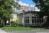 Coubertin-Gymnasium (Im Hintergrund das Internatshochhaus)